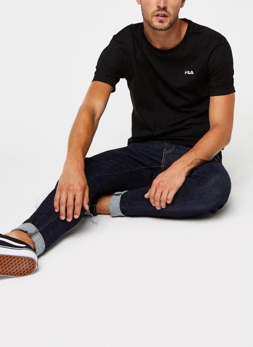 Vêtements FILA Efim t-shirt Noir vue bas / vue portée sac