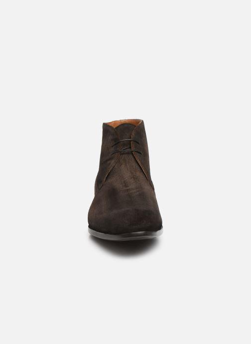 Bottines et boots Doucal's CHUKKA Marron vue portées chaussures
