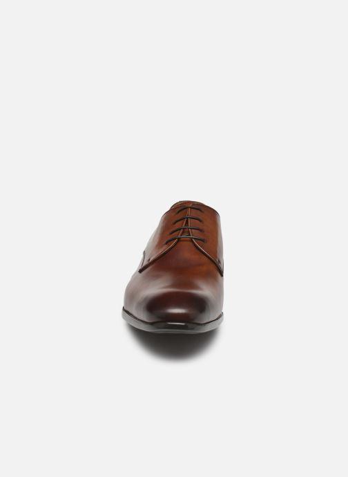 Chaussures à lacets Doucal's DERBY Marron vue portées chaussures