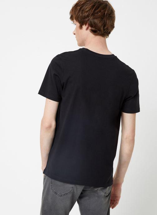 Vêtements Selected Homme Slhtheperfect Tee Noir vue portées chaussures