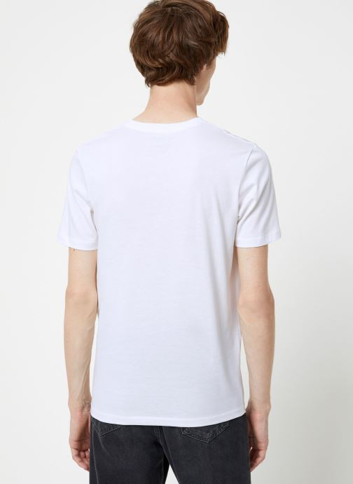 Vêtements Selected Homme Slhtheperfect Tee Blanc vue portées chaussures