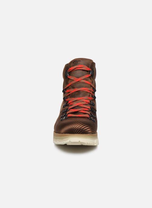 Bottines et boots Sorel Atlis Axe WP Marron vue portées chaussures
