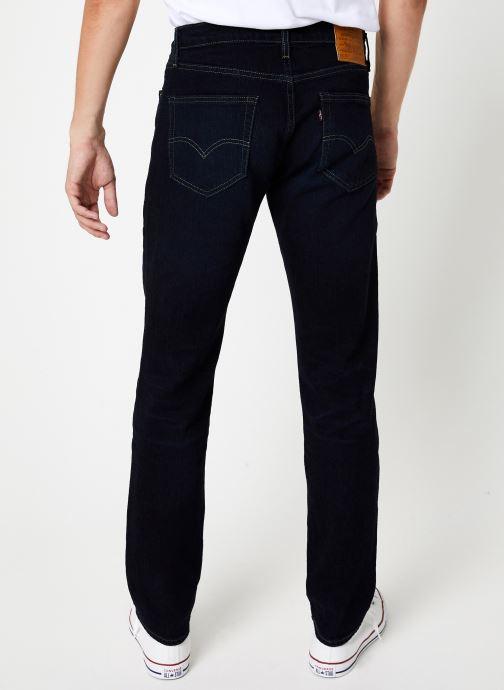 Vêtements Levi's 511™ Slim Fit M Noir vue portées chaussures