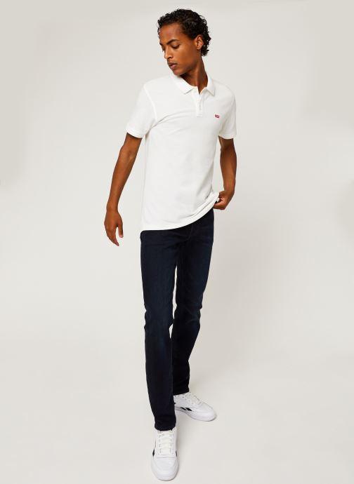 Vêtements Levi's 511™ Slim Fit M Bleu vue bas / vue portée sac