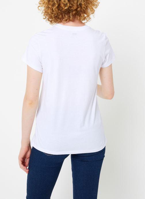 Vêtements Levi's The Perfect Tee W Blanc vue portées chaussures