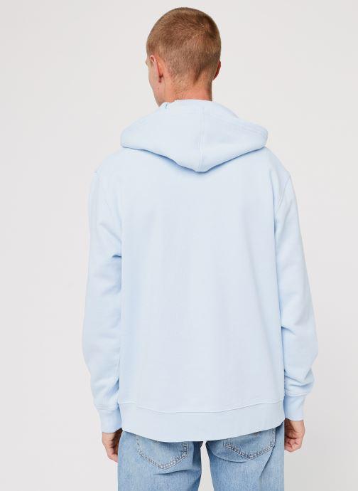 Vêtements Levi's Graphic Po Hoodie Logo M Bleu vue portées chaussures