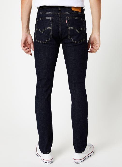 Vêtements Levi's 519™ Extreme Skinny Fit M Noir vue portées chaussures
