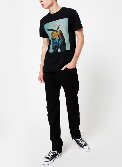 Vêtements Levi's 502™ Regular Taper M Noir vue bas / vue portée sac