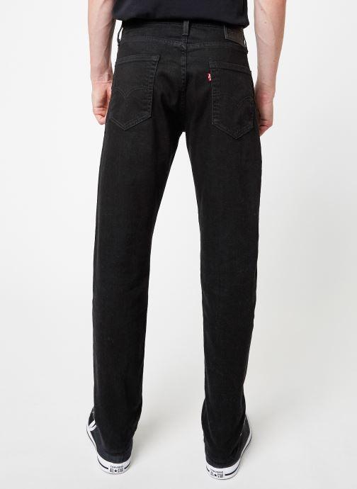 Vêtements Levi's 502™ Regular Taper M Noir vue portées chaussures