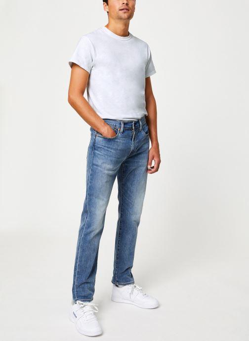 Vêtements Levi's 502™ Regular Taper M Bleu vue bas / vue portée sac