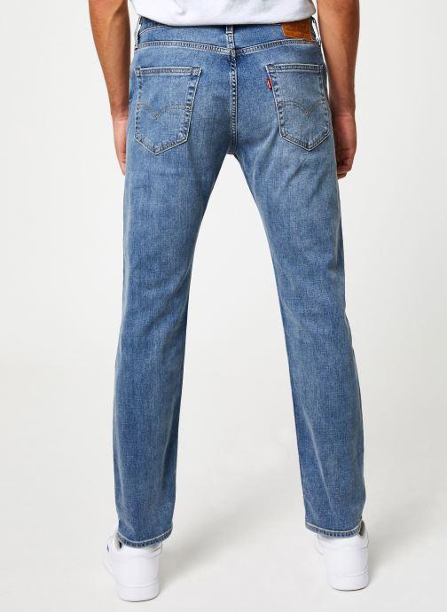 Vêtements Levi's 502™ Regular Taper M Bleu vue portées chaussures