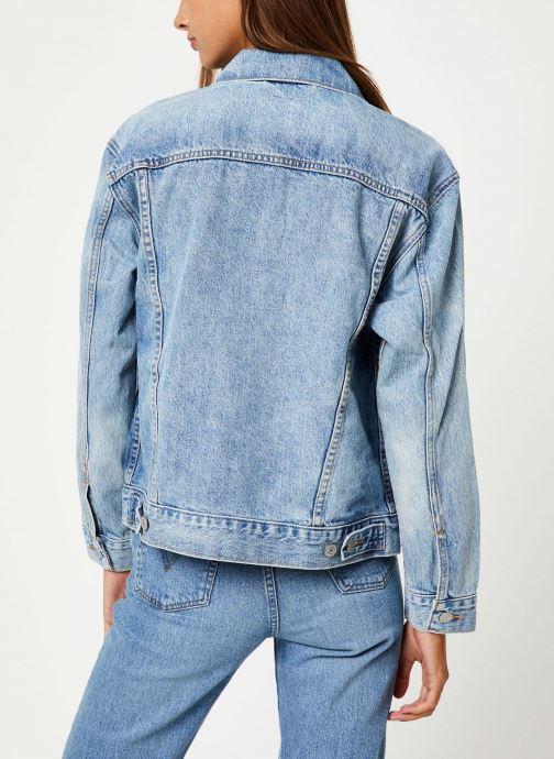 Vêtements Levi's Ex-Boyfriend Trucker W Bleu vue portées chaussures