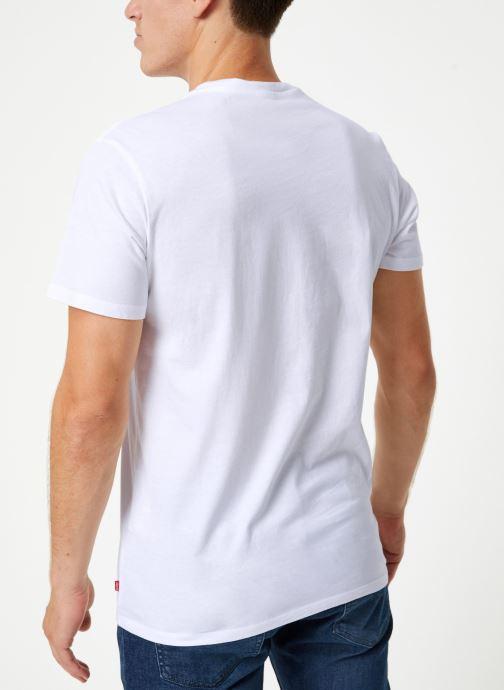 Vêtements Levi's Sportswear Logo Graphic M Blanc vue portées chaussures