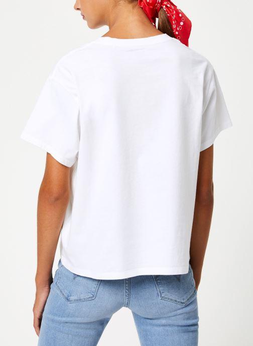 Vêtements Levi's Graphic Varsity Tee W Blanc vue portées chaussures