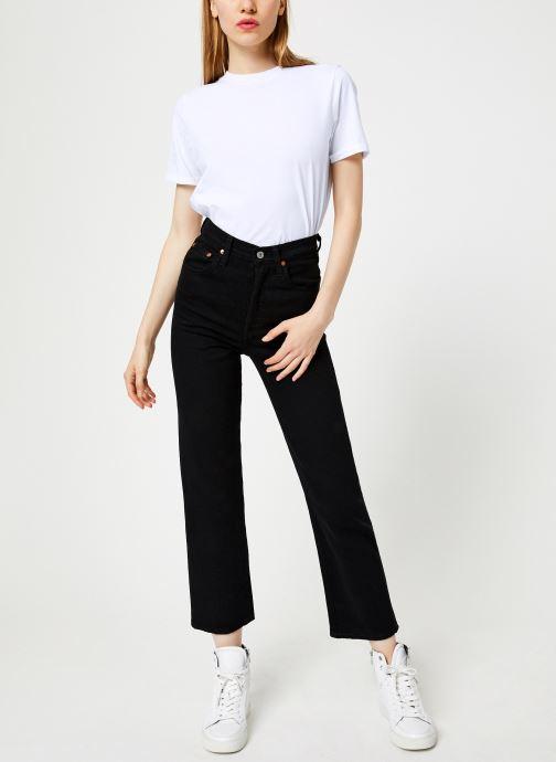 Vêtements Levi's Ribcage Straight Ankle W Noir vue bas / vue portée sac