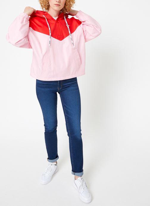 Vêtements Levi's Kimora Jacket W Rouge vue bas / vue portée sac