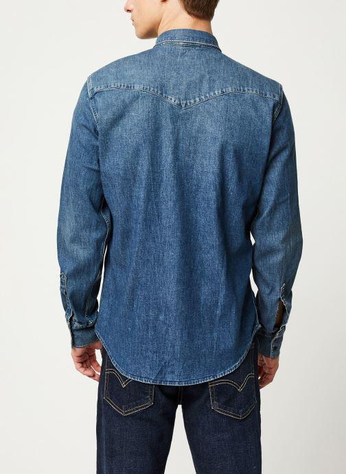 Vêtements Levi's Barstow Western M Bleu vue portées chaussures