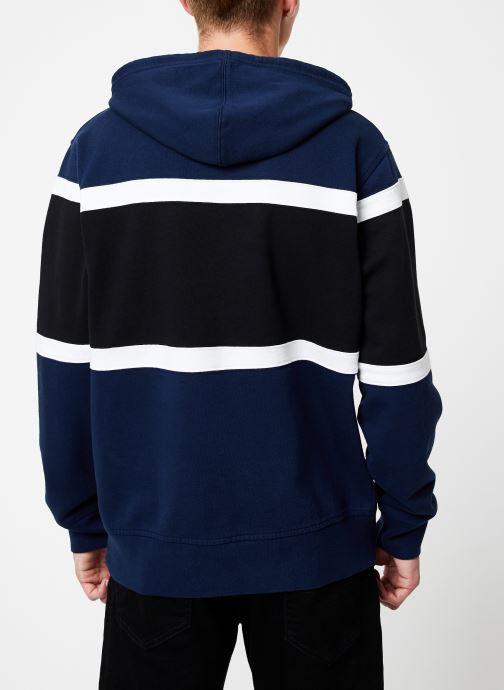 Vêtements Levi's Pieced Hoodie M Bleu vue portées chaussures