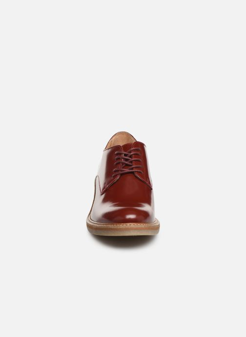 Chaussures à lacets Kickers OXYBY Rouge vue portées chaussures
