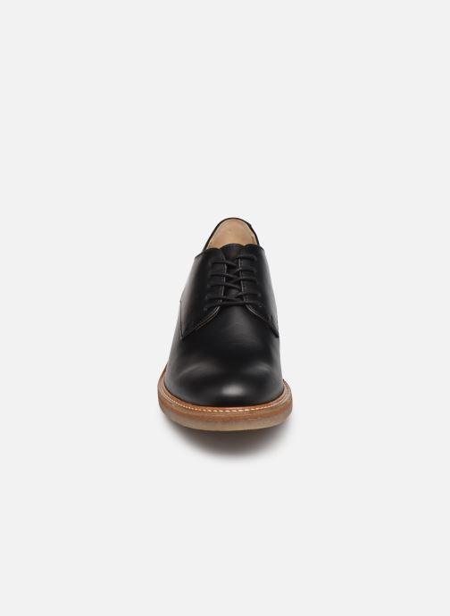 Zapatos con cordones Kickers OXYBY Negro vista del modelo