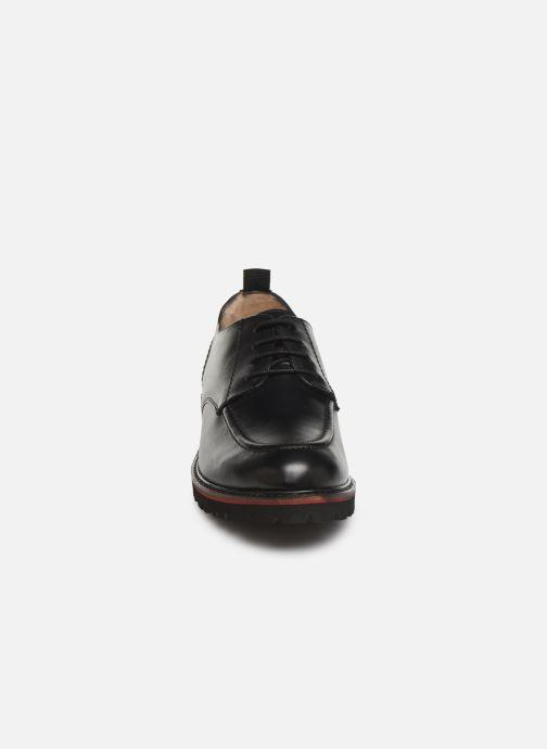 Zapatos con cordones Kickers RUDORA Negro vista del modelo