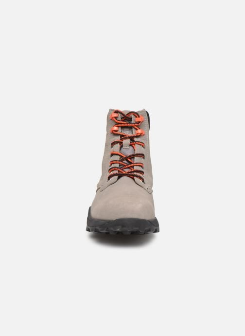 Bottines et boots Timberland Brooklyn 6 inch Boot Gris vue portées chaussures