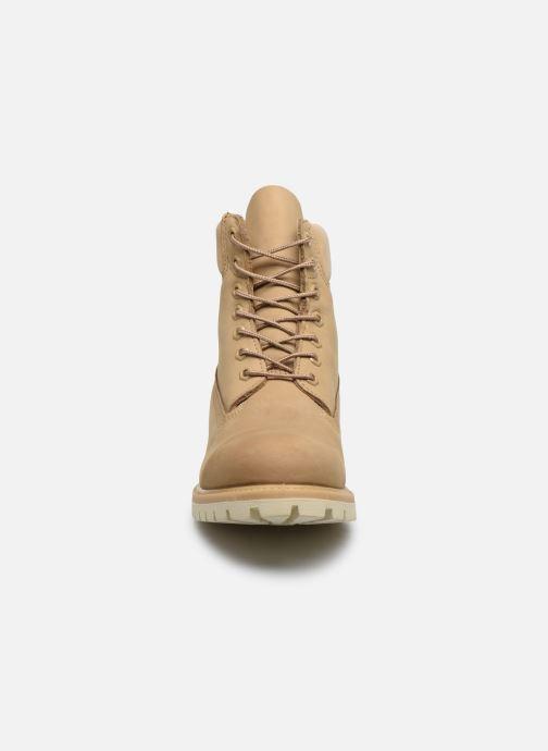 Stivaletti e tronchetti Timberland 6 Inch Premium Boot H Beige modello indossato