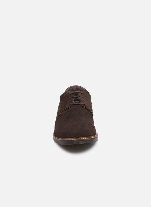 Zapatos con cordones Kickers MALDAN Marrón vista del modelo