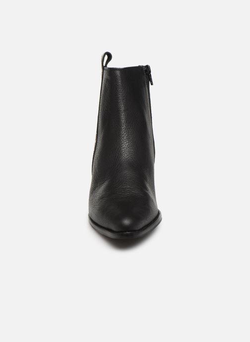 Bottines et boots Shoe the bear LEILA STUDS Noir vue portées chaussures