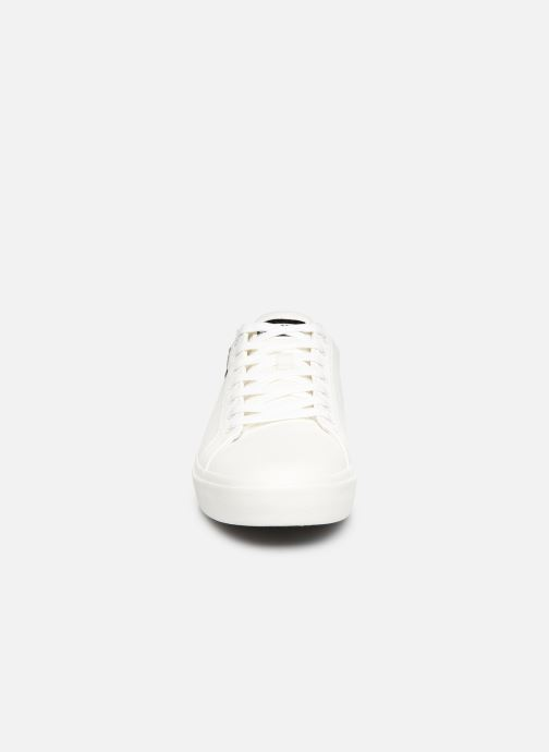 Baskets Levi's WOODWARD L Blanc vue portées chaussures