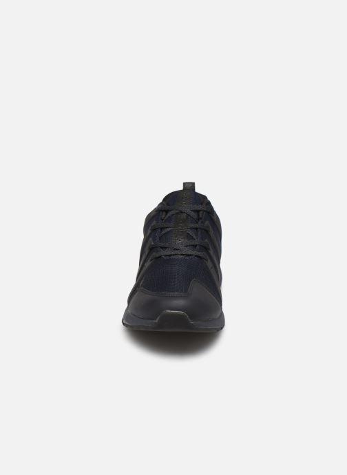 Baskets Levi's BODIE Bleu vue portées chaussures