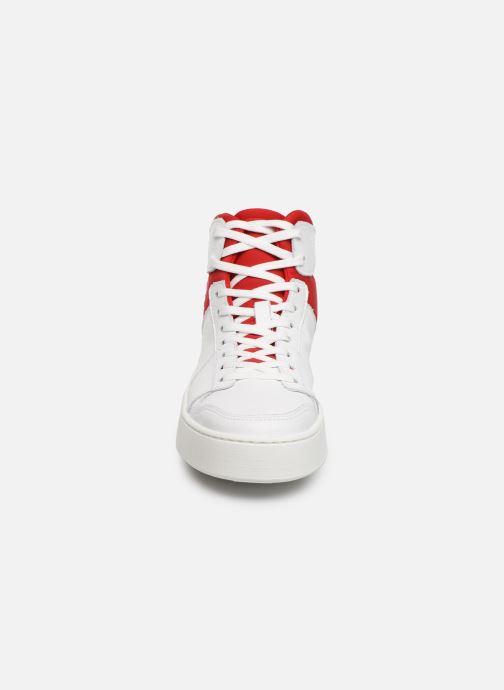 Baskets Levi's MULLET BSK S Blanc vue portées chaussures