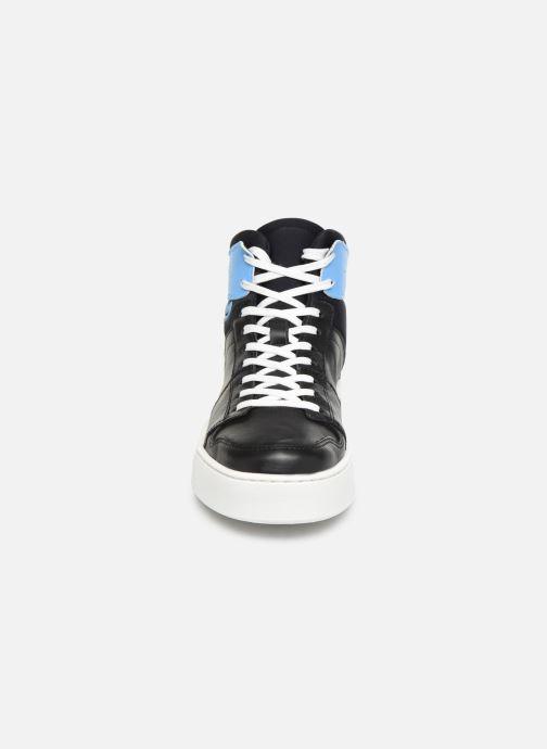 Baskets Levi's MULLET BSK S Noir vue portées chaussures