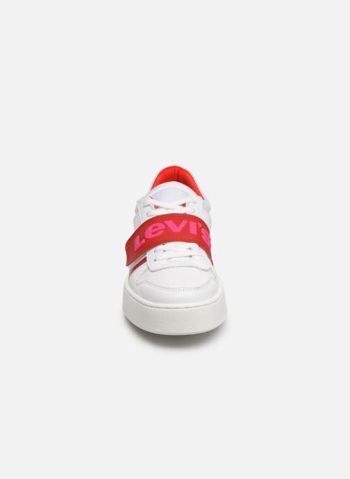 Baskets Levi's MULLET V S Blanc vue portées chaussures