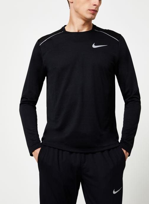 Vêtements Nike Haut de running Homme Nike Dry Miler manches longues Noir vue droite