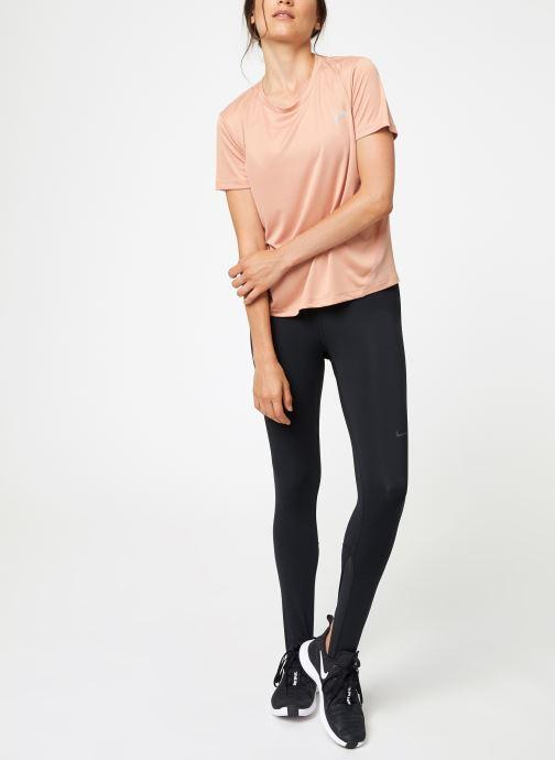 Vêtements Nike Haut de running Femme Nike Dry Miler manches courtes Rose vue bas / vue portée sac