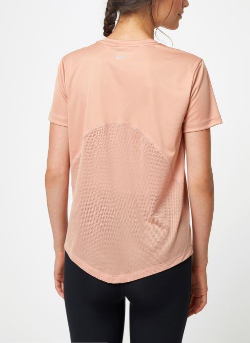 Nike T-shirt - Haut de running Femme Nike Dry Miler man (Rose) - Vêtements chez Sarenza (405609) olree