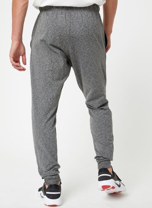 Vêtements Nike Pantalon de training Homme Nike Hyper Dry Noir vue portées chaussures