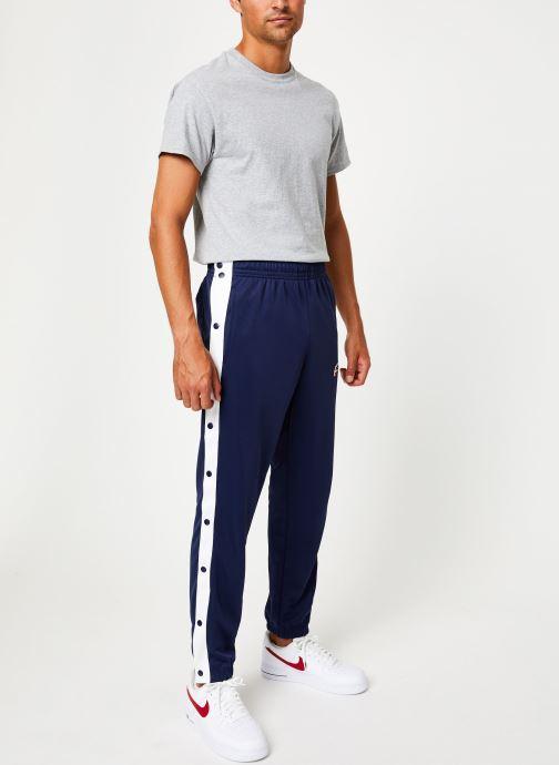 Vêtements Nike Pantalon Homme Nike Sportswear Heritage avec Pressions Bleu vue bas / vue portée sac