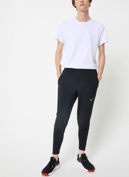 Vêtements Nike Pantalon de Running Homme Nike Essential bi-matière Noir vue bas / vue portée sac