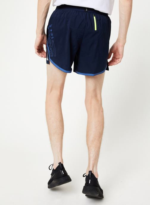 Vêtements Nike Short de running Homme 12,5 cm Nike Air Flex Stride Bleu vue portées chaussures