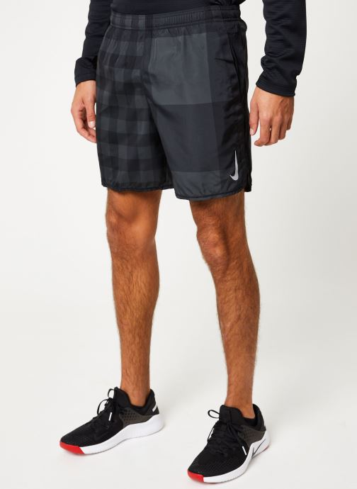 Vêtements Nike Short de running Homme Nike Challenger Gris vue détail/paire