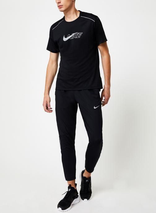 Tøj Nike Haut de running Homme Nike Dry Miler Réflechissant manches courtes Sort se forneden