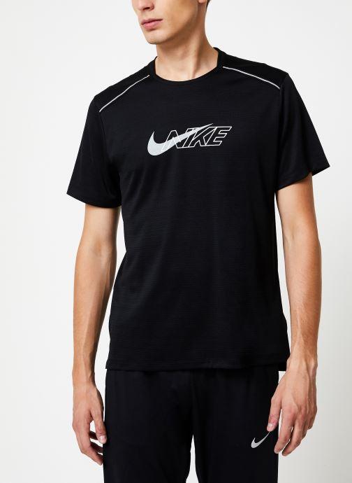 Tøj Nike Haut de running Homme Nike Dry Miler Réflechissant manches courtes Sort Se fra højre