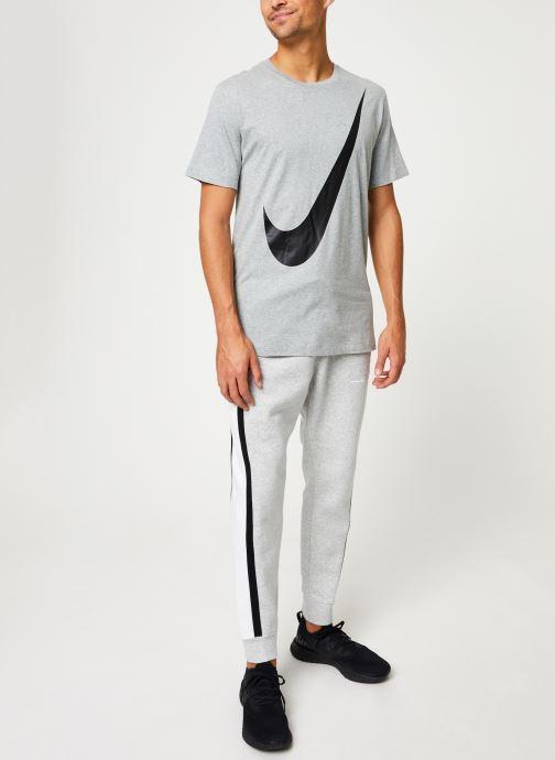 Vêtements Nike Tee-Shirt Homme Nike Sportswear big swoosh Gris vue bas / vue portée sac