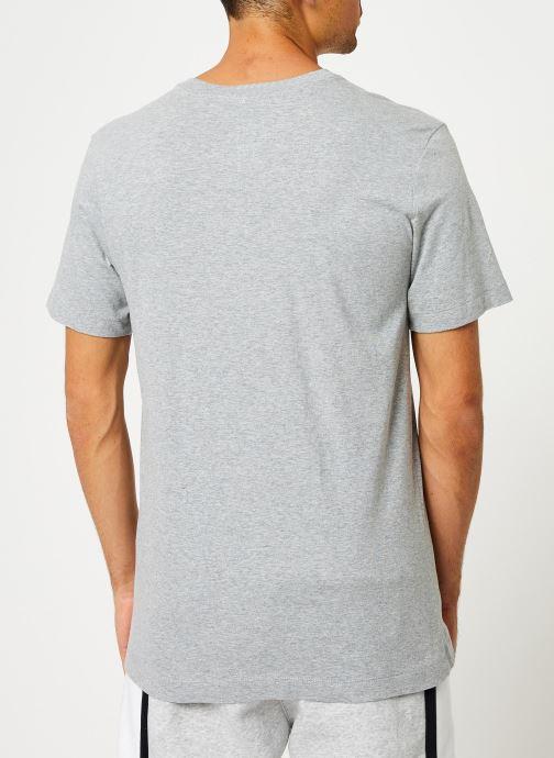 Vêtements Nike Tee-Shirt Homme Nike Sportswear big swoosh Gris vue portées chaussures