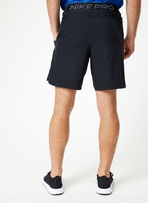 Vêtements Nike Short de training Homme Déperlant Nike Pro Flex Noir vue portées chaussures