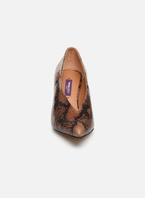 Escarpins Parallèle Omega Python C Marron vue portées chaussures