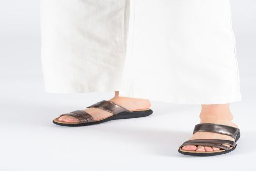 Mules & clogs Clarks Unstructured Un Bali Silver view from underneath / model view