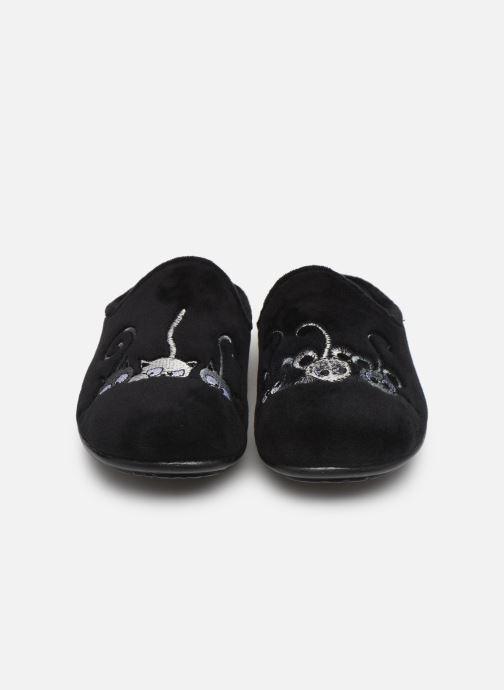 Chaussons La maison de l'espadrille Lou 2 Noir vue portées chaussures